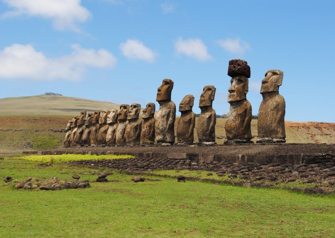 tongariki-15-moai-statues