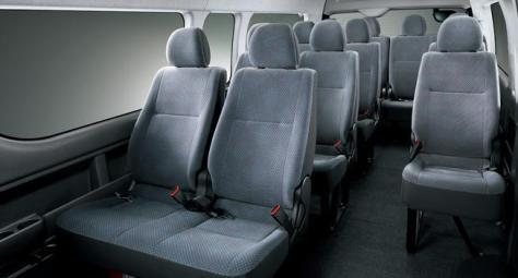 14人座行李得放置前兩排座椅