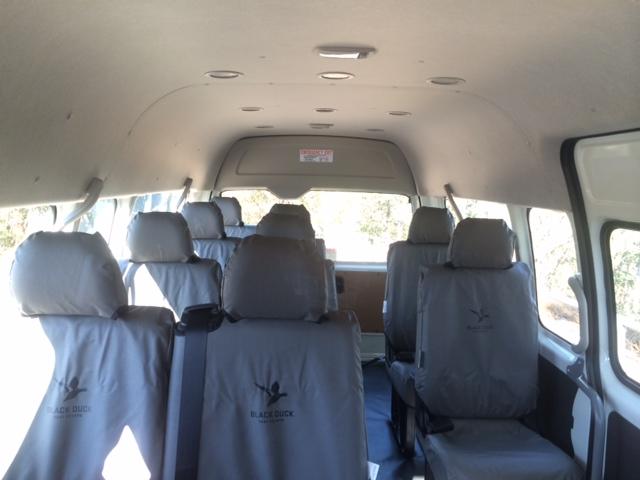 12人座最為舒適行李放置後面座位寬敞