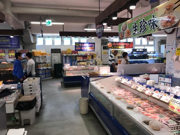 札幌場外市場在這自理海鮮午餐